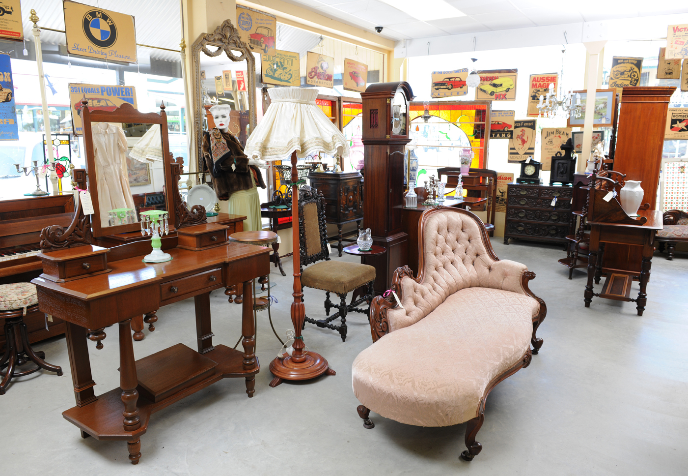 Selling antiques adelaide antique bazaar of strathalbyn for Oriental furniture adelaide